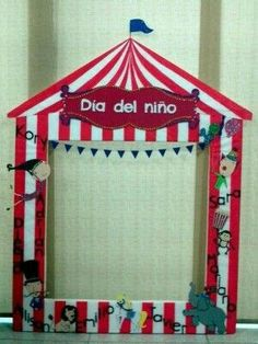 :) Carnival Birthday Parties, Circus Birthday, Circus Party, Circus Theme Classroom, Circus Crafts, Clown Crafts, Diy And Crafts, Crafts For Kids, Photo Booth Frame