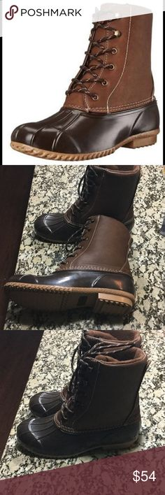 ⚡️SIZE 7 ⚡️💫RAMPAGE DUCK BOOTS 💫 Rampage Duck Boots 💫. These adorable duck boots feature a  brown cognac colored. Synthetic leather. FITS TRUE SIZE. 👌🏻 ❌No trades ❌No PayPal Shoes Winter & Rain Boots