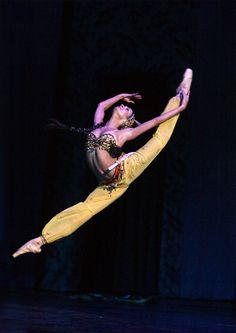 Ekaterina Oleynik.    Photo© National Academic Bolshoi Opera and Ballet Theatre of the Republic of Belarus.