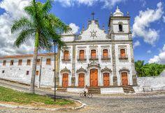 Convento do Sagrado Coração de Jesus, no Sítio Histórico de Igarassu, no Largo dos Santos Cosme e Damião, próximo à igreja matriz. Erguido em estilo barroco, está na cidade de Igarassu, estado de Pernambuco, Brasil.                  | HDR