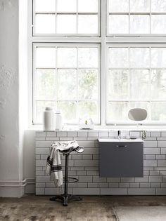 Badrums inspiration i grå kulörer från Ballingslöv ‹ Dansk inredning och design