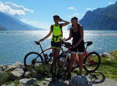 https://flic.kr/p/EgWaG7 | Women in bike  (Explore) | Ricordi d'estate sulle sponde del Lago di Garda; tanto sole e vento nei capelli, simpatici incontri, risate e avventure assicurate!