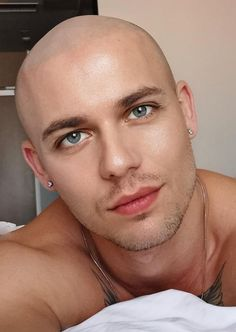 Bald Haircut, Bald Heads, Just Do It, Shaving, Hair Cuts, Handsome, Beauty, Fashion, Shaved Heads