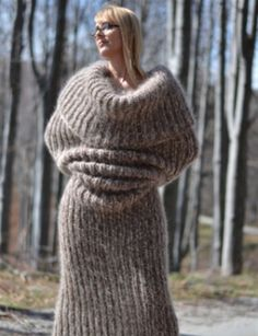 Chunky and super soft mohair tube scarf by Dukyana. Body Sock, Crochet Bodies, Chunky Knitwear, Tube Scarf, Tube Socks, Scarf Dress, Mohair Sweater, Plus Size, Beige