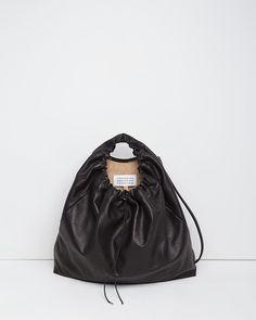 Maison Martin Margiela Line 11 Drawstring Bag Moda Fashion, Fashion Bags, Fashion Fashion, My Bags, Purses And Bags, Leather Drawstring Bags, Sacs Design, Boho Bags, Luxury Bags