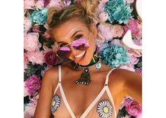 Cute music festival outfits that you need to copy for your next festival! Festival fashion and clothing ideas for Coachella, Bonnaroo, Governors ball, etc! These festival outfit ideas are are affordable and super trendy. Festival Trends, Festival Mode, Rave Festival, Festival Wear, Festival Fashion, Estilo Hippie, Hippie Chic, Hippie Style, Boho Chic