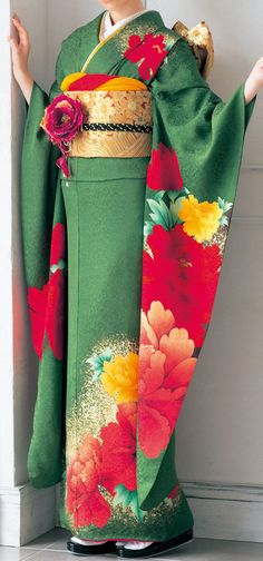 Furisode - one of my favorite Furisode kimono, this in green Japanese Outfits, Japanese Fashion, Asian Fashion, Japanese Clothing, Traditional Kimono, Traditional Dresses, Traditional Fashion, Traditional Japanese, Furisode Kimono