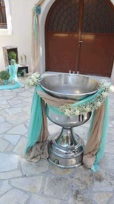 Baptism Centerpieces, Baptism Decorations, Wedding Decorations, Baby Boy Christening, Flower Arrangements, Fountain, Projects To Try, Outdoor Decor, Party