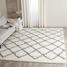 Shop for Safavieh Dallas Shag Ivory/ Dark Green Trellis Rug (8' 6 x 12'). Get free shipping at Overstock.com - Your Online Home Decor Outlet Store! Get 5% in rewards with Club O!