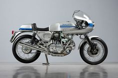 Ducati 750 Super Sport, fully restored after 15 years in a barn... click thru for detsils