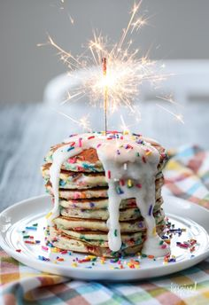 We're making Funfetti Pancakes! I've given my Homemade Pancake Mix an upgrade with sprinkles and frosting to create a tasty and colorful breakfast treat. Pancake Party, Pancake Cake, Birthday Cake Pancakes, Fun Birthday Cakes, Colorful Birthday Cake, Diy Birthday, Bolo Cake, Birthday Brunch, Kids Birthday Breakfast