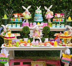 Mesa de postres. fiesta de pascua. Easter Party Table decoration