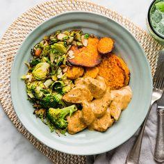 - Tandoori Paste, Almond Chicken, Sliced Almonds, How To Cook Chicken, I Foods, Casseroles, Stew, Broccoli