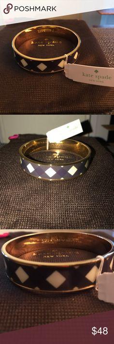 🎈NWT Kate Spade Navy and White Paper Bangle NWT Navy and White 10mm Paper Bangle. Comes with Dust bag. kate spade Jewelry Bracelets