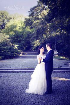 https://www.facebook.com/hellu.studios  Wedding Photography / Couple Photoshoot / Love Photos