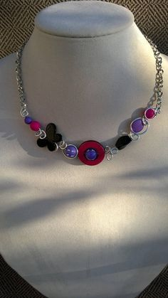 Funcky necklace Asymmetrical necklace Purple and fuchsia Purple Necklace, Purple Jewelry, Funky Jewelry, Wire Necklace, Wire Wrapped Necklace, Short Necklace, Metal Necklaces, Collar Necklace, Metal Jewelry