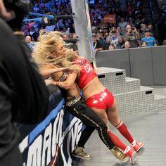 Becky Lynch & Naomi vs. Natalya & Alexa Bliss: Fotos