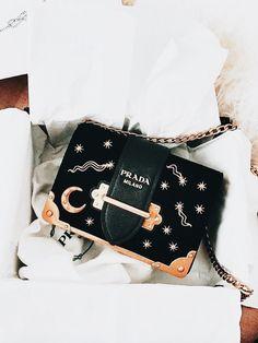 Beautiful Bags, Fashion Bags, Moda Fashion, Womens Fashion, Fashion  Handbags, Style bb23585d369