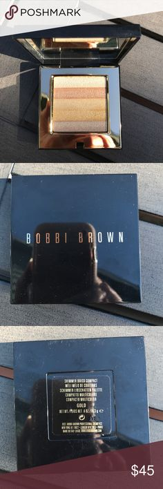 New Bobbi Brown Shimmer Brick Compact, Gold New Bobbi Brown Shimmer Brick, Gold. This highlighter/bronzer features shades of gold. Great for anywhere in Face or Body. Price is firm. Bobbi Brown Makeup Face Powder