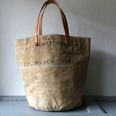 40's era US Coast Guard Sea bag remake rounded bottom tote bag. Very thick canvas. IND_BNP_0100_USCG W51cm H40cm D30cm Handle53cm