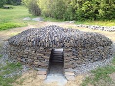 IN THE COMPANY OF STONE: A Dry Stone Eye in the Landscape