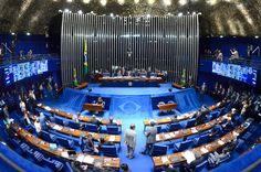 Repatriação de recursos e votação final da reforma política estão na pauta do Plenário