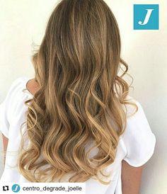Esiste un colore biondo che non risulti artefatto, che non renda schiava dell'effetto ricrescita? Si, il Degradé Joelle! #cdj #degradejoelle #tagliopuntearia #degradé #igers #musthave #hair #hairstyle #haircolour #longhair #ootd #hairfashion #madeinitaly #wellastudionyc