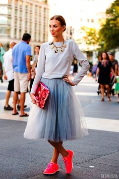 Как носить платье с кедами и кроссовками (ФОТО) / 2015   GLAMUSHA.ru
