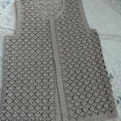 Expression of Sequential Leaves and Knitted Mother Vests - bebek yelek Baby Knitting Patterns, Crochet Baby Dress Pattern, Knitting Designs, Crochet Patterns, Crochet Waistcoat, Crochet Carpet, Knitting For Beginners, Crochet Granny, Crochet Clothes