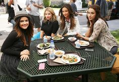 """17.4k Likes, 57 Comments - Pretty Little Liars (@prettylittleliars) on Instagram: """"You CAN sit with us. #BehindTheScenes #PLLMemoryLane 99 of 150 // Season 5, Episode 4. #PLL…"""""""