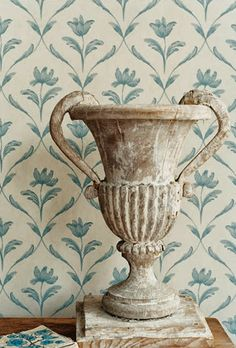 Zoffany Sophia Wallpaper from the Gustavus collection. Find out how many rolls you require with our Wallpaper calculator. Swedish Decor, Swedish Style, Swedish House, Scandinavian Style, Scandinavian Kitchen, French Decor, Fabric Wallpaper, Wall Wallpaper, Painted Wallpaper
