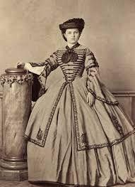 Risultati immagini per abiti donne far west 1800