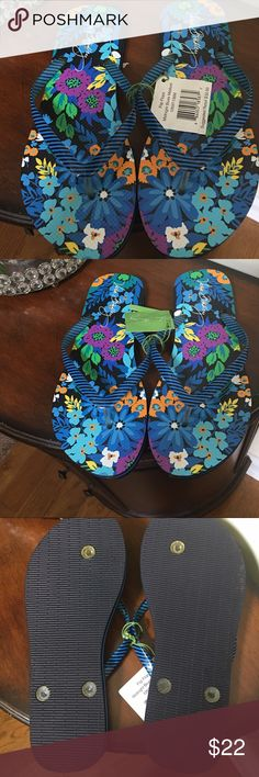🌺🎀NWT Vera Bradley Midnight Blue Flip Flops🌺🎀 🌺🎀NWT Vera Bradley Midnight Blue Flip Flops🌺🎀Ready to wear Perfect for summer days Vera Bradley Shoes Slippers
