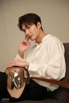 Korean Male Actors, Korean Celebrities, Asian Actors, Kim Go Eun, Cha Eun Woo, Jung So Min, Boys Over Flowers, Lee Min Ho Wallpaper Iphone, Lee Minh Ho