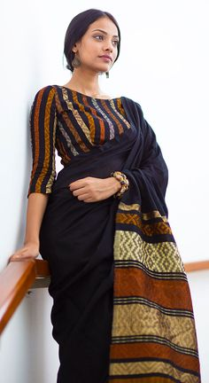 18 Trendy Saree blouses With Three Forth Sleeves Hands Blouse Designs Saree Jacket Designs, Cotton Saree Blouse Designs, Stylish Blouse Design, Trendy Sarees, Saree Trends, Saree Models, Elegant Saree, Saree Look, Saree Styles