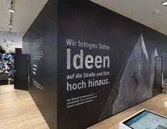Entwurf und Umsetzung: OLD YELLOW. Kunde: Thyssenkrupp. Die Schrift und Illustrationen sind komplett mit Kreide umsesetzt. Dieses Projekt hat sehr viel Spaß gemacht. Auf der IAA 2017 stach dieser Messestand von den anderen durch die lockeren Grafiken ab. #chalk #drawing #lettering #typography #illustration for #iaa2017 #iaa #iaafrankfurt #messefrankfurt #thyssen #teamtk #thyssenkrupp #tkgoesiaa #autonomousdriving #futurefactory #olyellow #oldyellowberlin #creativestudio Creative Studio, Coca Cola, Bmw, Drawing, Yellow, Illustration, Contemporary Style, Mockup, Graphics