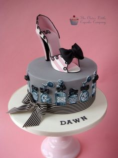 Vintage Style Shoe Cake - by CleverLittleCupcake @ CakesDecor.com - cake decorating website