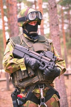 Finnish Defence Forces with P90 1997.