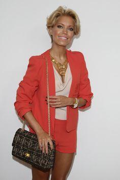 More Pics of Sylvie van der Vaart Short Wavy Cut (1 of 32) - Short Hairstyles Lookbook - StyleBistro