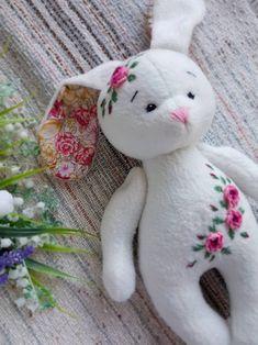 Embroidered rag doll Fleece toy for children Easter Bunny image 3 Bunny Plush, Bunny Toys, Sewing Stuffed Animals, Stuffed Toys Patterns, Felt Dolls, Doll Toys, Rag Dolls, Crochet Dolls, Little Pet Shop Toys