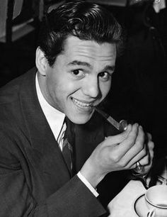 Desi Arnaz Musician Desiderio Arnaz was a Cuban-born American musician, actor and television producer. While he gained international renown for leading a Latin music band, the Desi Arnaz Orchestra, he is best known for ... Wikipedia Born: March 2, 1917, Santiago de Cuba, Cuba Died: December 2, 1986, Del Mar, CA   desi arnaz - Google Search