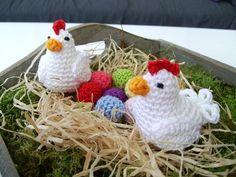 Chickens, Eggs & Rooster -FREE Pattern (Google translate from Dutch) Project Pasen-Kippen iefkemeijer,blogspot.be