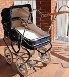 Pram Stroller, Baby Strollers, Bring Up A Child, Vintage Pram, Prams And Pushchairs, Baby Buggy, Dolls Prams, Baby Prams, Baby Carriage