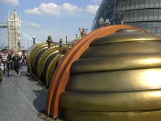 Telectroscope aperture at London City Hall showing Tower Bridge and Canary Wharf - Steampunk - Wikipedia, the free encyclopedia Steampunk House, Steampunk Design, Steampunk City, Cyberpunk, Best Sci Fi Movie, Cultural Architecture, Neo Victorian, Aesthetic Design, Saint George