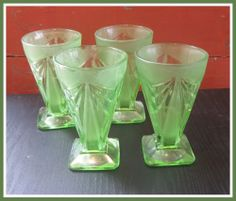 Set 4 Pyramid Indiana Glass Art Deco Depression Tumblers Carnival Pattern 610