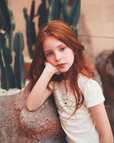 Red and Strawberry Blonde Bob - 60 Trendiest Strawberry Blonde Hair Ideas for 2019 - The Trending Hairstyle Ginger Babies, Ginger Girls, Hair Color Auburn, Auburn Hair, Beautiful Children, Beautiful People, Pretty People, Redhead Baby, Beautiful Red Hair
