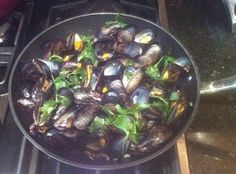 Portuguese Style Mussels (Mexilhões) - Easy Portuguese Recipes