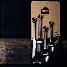 The cutlery 'for successful living' is this DIY cutlery from Diesel. The shape is inspired by keys from the tool case. The cutlery is therefore Best Dad Gifts, Cool Gifts, Gifts For Dad, Unique Gifts, Food Gifts For Men, Kids Gifts, Christmas Stocking Fillers, Christmas Gifts, Stainless Steel Cutlery
