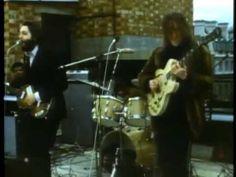 http://weekenderonline.wordpress.com/2012/09/21/gig-des-tages-the-beatles-rooftop-concert-30-01-1969/