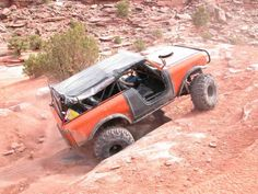 Moab rim trail in that last pic? International Scout Ii, International Harvester, Ih, Lifted Trucks, Scouts, Roads, Truck Lift Kits, Road Routes, Boy Scouts